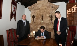Castilla la Mancha´s President, Mr. Emiliano García Page, visits the Museum of Words